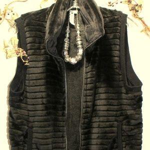 CABLE & GAUGE Black Ribbed Zip Vest-SZ. Med
